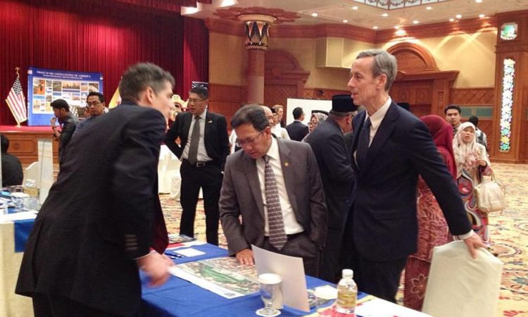 Ambassador Allen & GoH at the U.S. Higher Education Fair