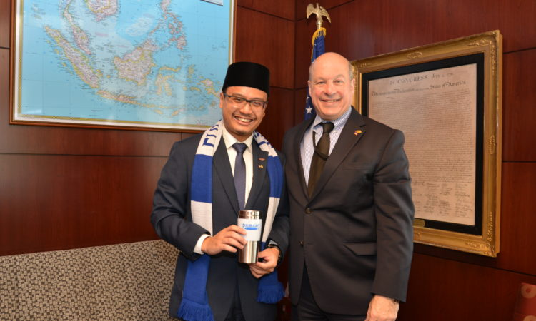 Ambassador Matthews Congratulates 2019 Fulbright U.S.-ASEAN Visiting Scholars Program recipient Dr. Mohd Hilmy Baihaqy bin Haji Yussof