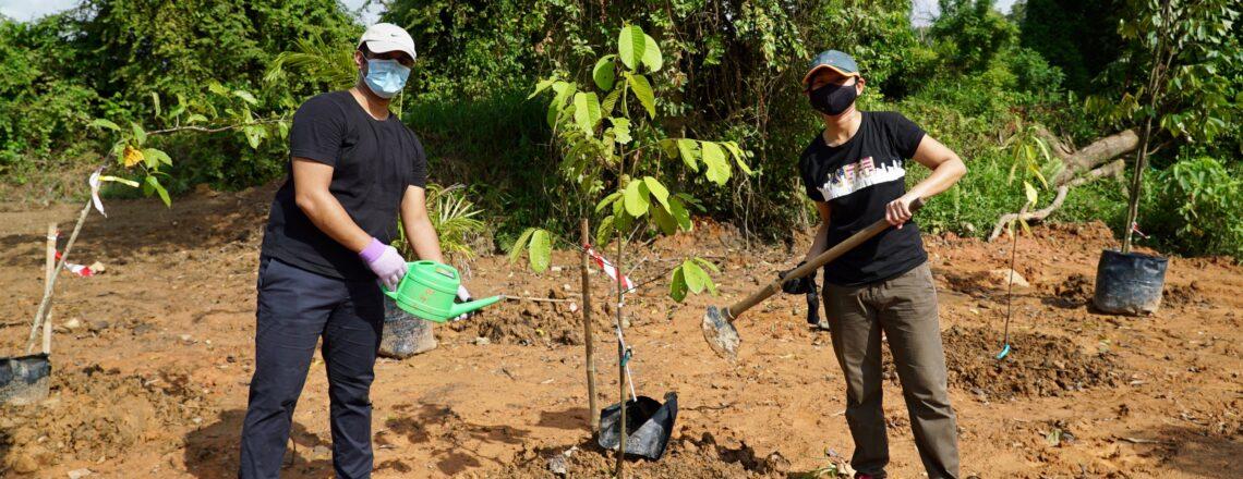 Singapore YSEALI Alumni Celebrate YSEALI 7th Anniversary Through Tree Planting Initiative