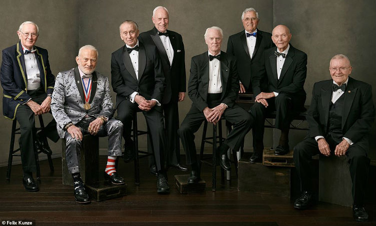 Group photo (Photo credit: Felix Kunze)