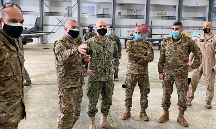 مجموعة من العسكريين