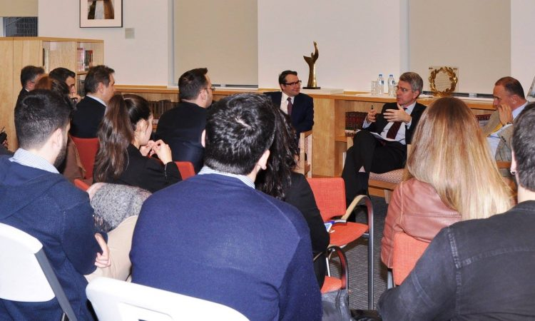 Ambassador Pyatt meets with Students from Universiyt of Piraeus