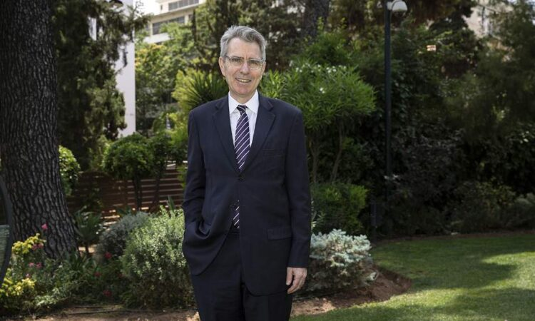 Ambassador Pyatt at the Residence: Interview to Kathimerini/Vassilis Nedos (Photo: Alexia Tsagari, Kathimerini)