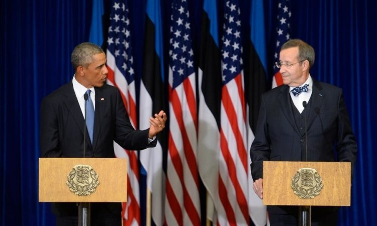 President Obama with Estonian President Toomas Hendrik Ilves at a podium