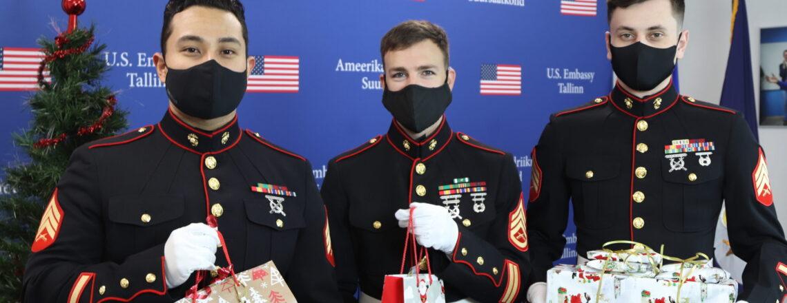 Пресс-релиз: Сотрудники Посольства США передали подарки силламяэским детям…