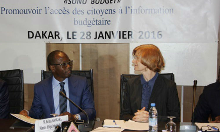 Budget Minister Birima Mangara and USAID/Senegal Mission Director Lisa Franchett(Photo USAID)