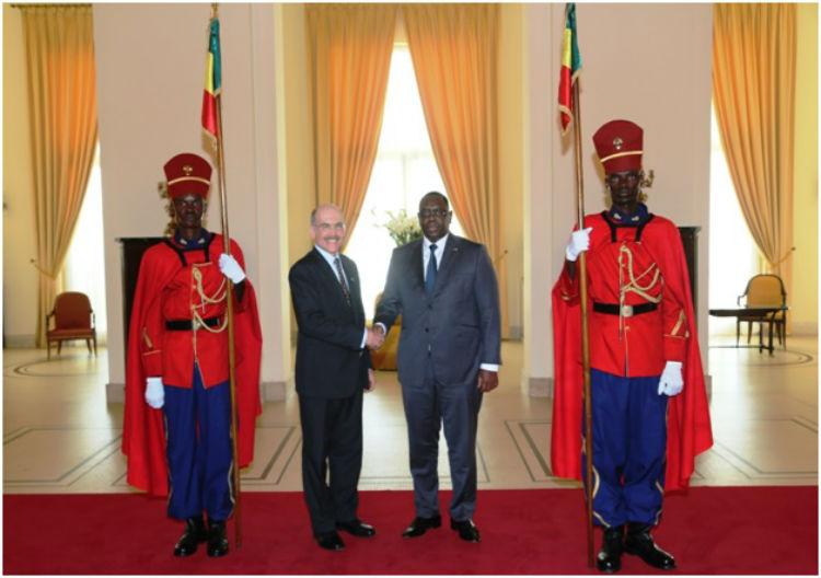 Son Excellence Monsieur James P. Zumwalt présente ses Lettres de Créances au Président Macky Sall (photo présidence sénégalaise)