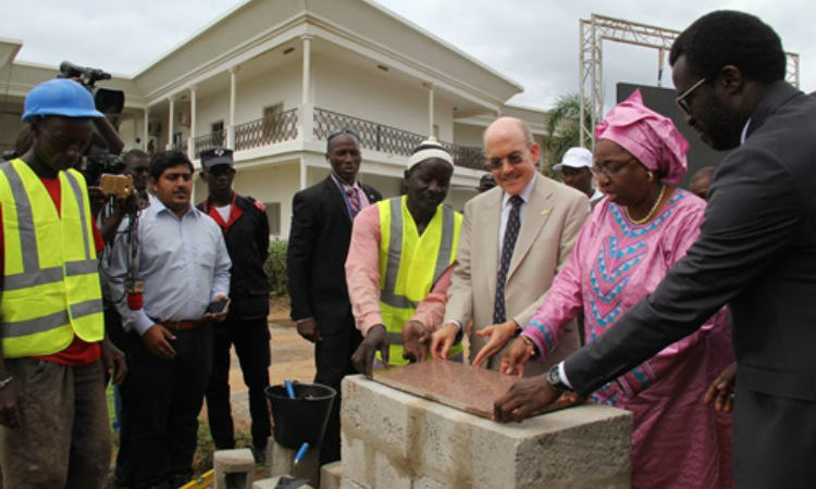 Ambassador Zumwalt and Health Minister Awa Marie Coll-Seck lay the foundation stone for the Health Emergency Operations Center (Photo US Embassy)