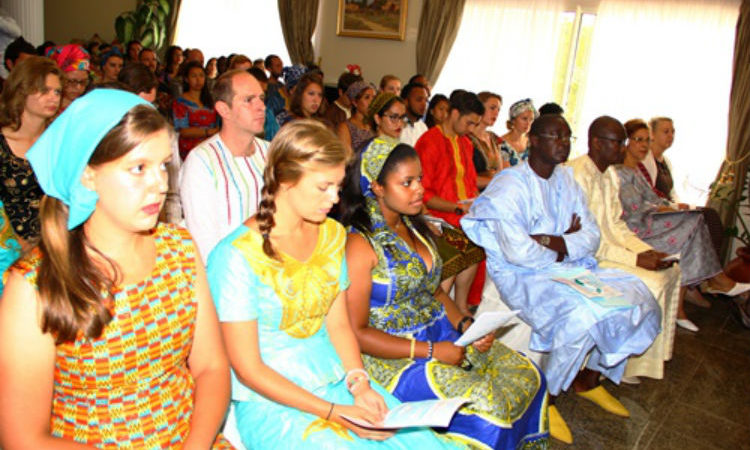 64 new Peace Corps volunteers sworn in (Photo US Embassy)