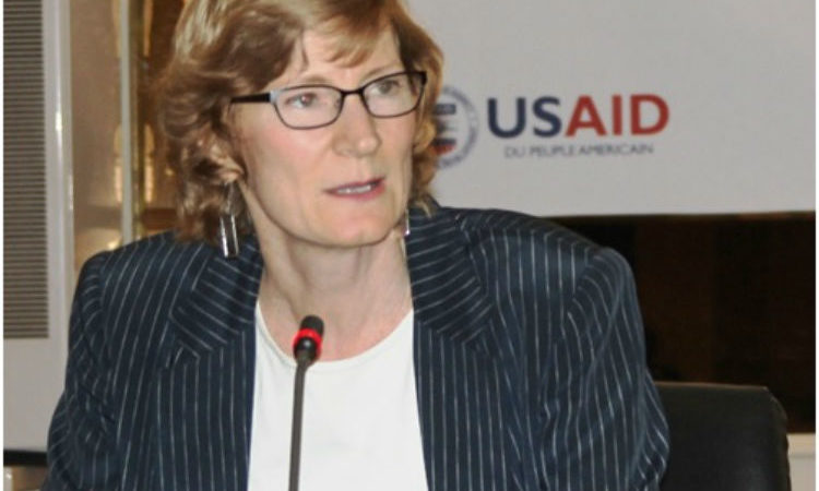 Mme Lisa Franchett, Directrice adjointe de l'USAID/Sénégal, prononce son allocution lors du lancement du programme Naatal Mbay (Photo USAID/Sénégal)