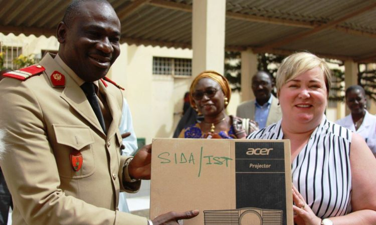 USAID gives HIV and AIDS laboratory equipment (Photo USAID Senegal)