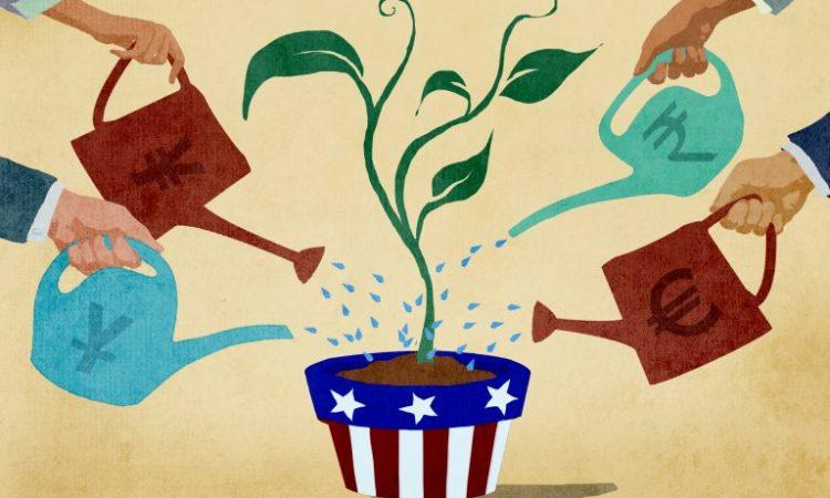 Darstellung ausländischer Investoren, die eine amerikanische Topfpflanze gießen (Bild: US-Außenministerium/Doug Thompson)