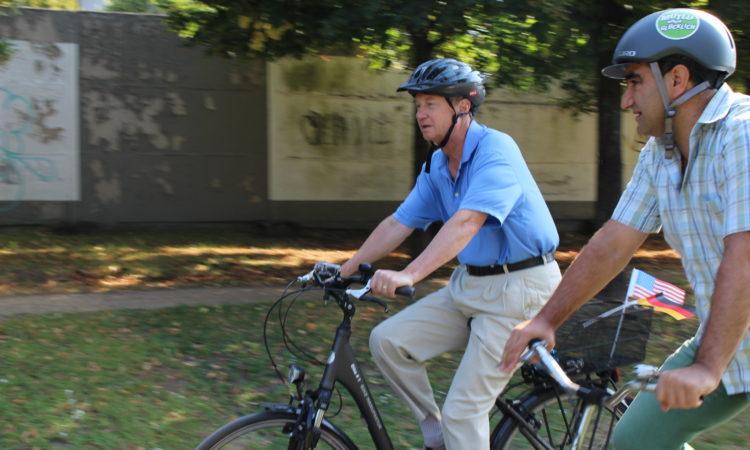 Emerson, Mutlu, on bikes
