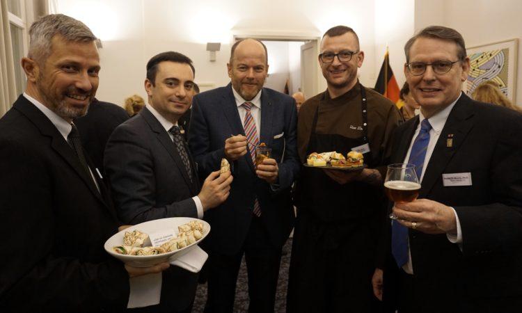 US-Generalkonsul Tim Eydelnant lud zum kulinarischen Neujahrsempfang