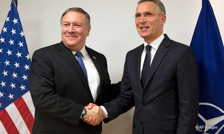 US-Außenminister Pompeo mit NATO-Generalsekretär Stoltenberg (Foto: AP Images)