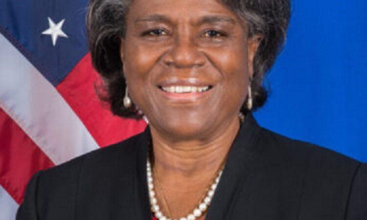 Linda Thomas-Greenfield vor amerikanischer Flagge