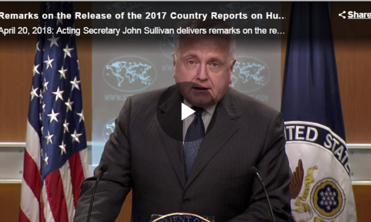Der geschäftsführende US-Außenminister Sullivan stellt die Länderberichte über Menschenrechtspraktiken 2017 vor. (Foto: US-Außenministerium)