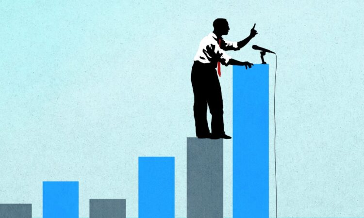 Mann mit Mikrofon steht auf Balkengrafik