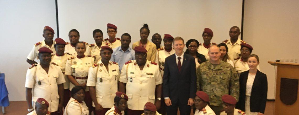 Don de l'Ambassade des Etats-Unis à l'Ecole de Santé Militaire
