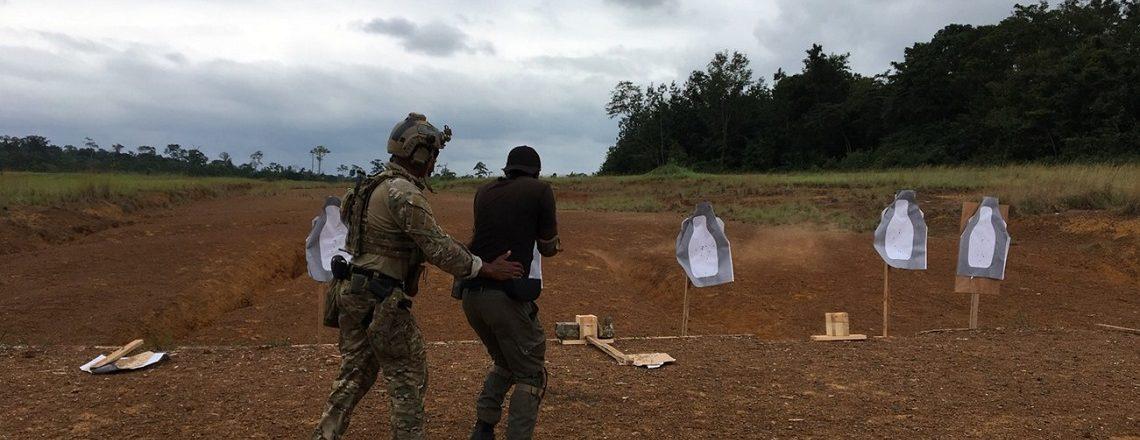 Formation des gendarmes gabonais par un membre des forces spéciales américaines