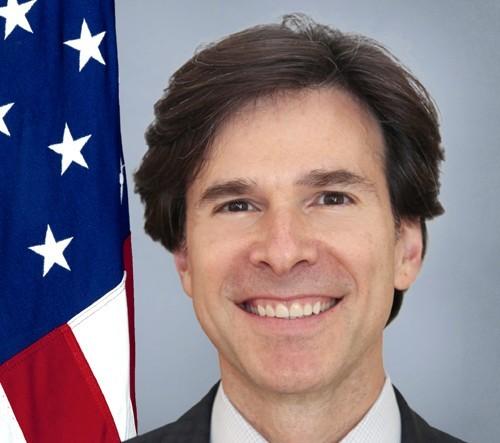 U.S. Ambassador Andrew Schapiro official portrait.
