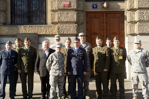 Czech CIS (Communications and Information Systems Agency) and members of the Nebraska and Texas Air and Army National Guard (photo U.S. Embassy Prague)