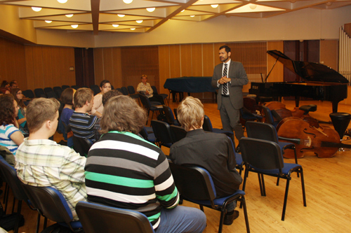 U.S. Embassy Prague Press Attaché Daniel Ernst discusses with students of the Pardubice Conservatory the life of a U.S. diplomat in the Czech Republic. (photo U.S. Embassy Prague)