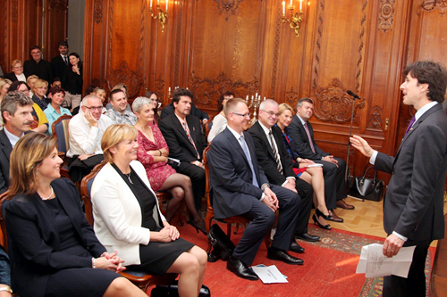Ambassador Andrew Schapiro speaks at the Alumni meeting of The Academy of Patient Organizations held at the US Ambassador's Residence in Prague on October 2, 2014. (U.S. Embassy Prague)