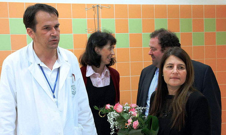 Tamar Newberger, Ambassador's wife, visits the Vinohrady Hospital Burn Center in Prague on February 18, 2016.