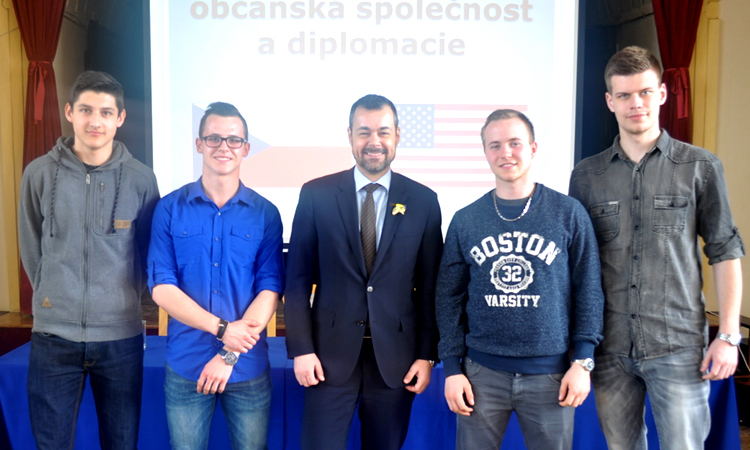 U.S. Embassy Prague Political Officer Pepijn Helgers with the students of the Trade Academy in Breclav.