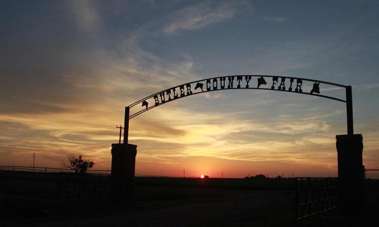 """Pavel Mareš, """"Západ v Nebrasce – Nebraska Sunset"""", Butler County, Nebraska"""