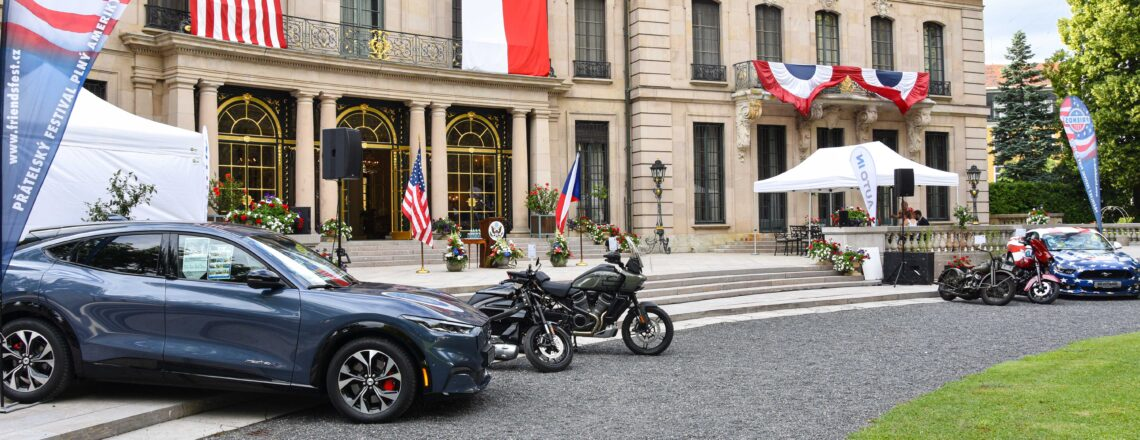 U.S. Embassy Prague Marks 245 Years of U.S. Independence