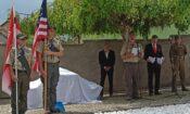 Kulturní atašé Erik Black se zúčastnil slavnostního odhalení památníku osvobození v Domažlicích