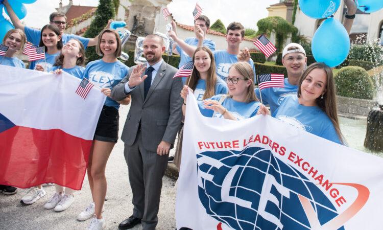 Čeští středoškoláci mohou do 15. října zabojovat o roční pobyt v USA zdarma