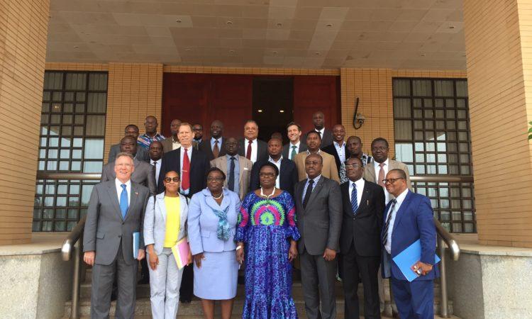 Photo de famille: Ambassadeur Gilmour, les Ministres Togolais et les membres de la délégation d'AGOA