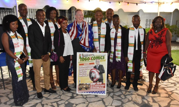 Ambassador David Gilmour posing with the Mandela Washington Fellows 2018