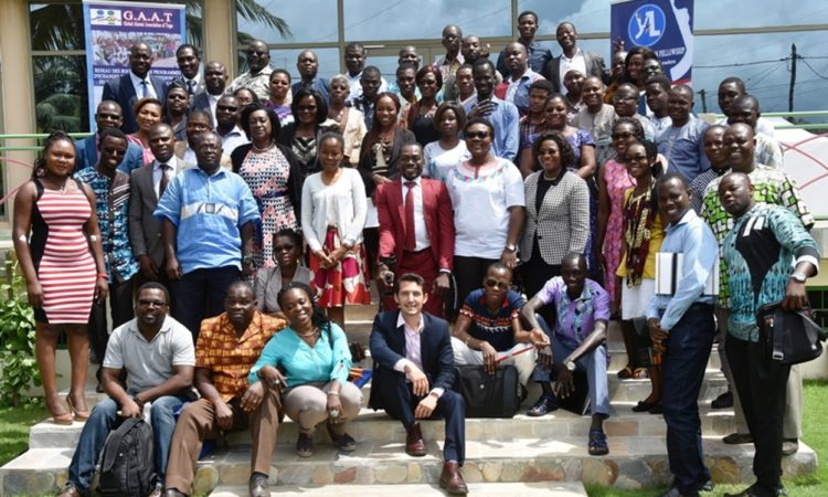 Vues des membres de la Global Alumni Association of Togo et Mike Pryor, Directeur des Affaires Publiques