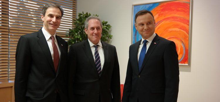 (L-R) Ambassador Paul Jones, Ambassador Michael Froman, United States Trade Representative, Polish President Andrzej Duda