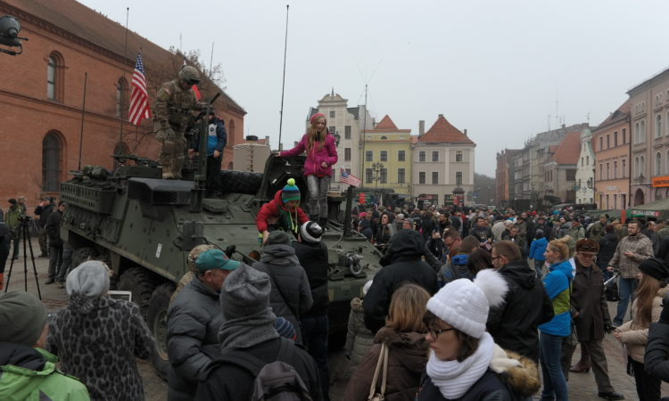 U.S. soldiers meeting residents of Toruń, 6 February 2016.