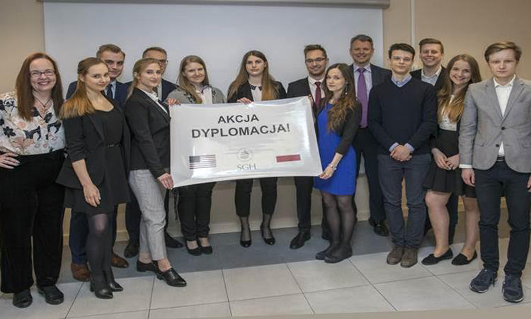 The U.S. Embassy Warsaw's Economic Section hosted a group of students from the Foreign Affairs Club at the Warsaw School of Economics
