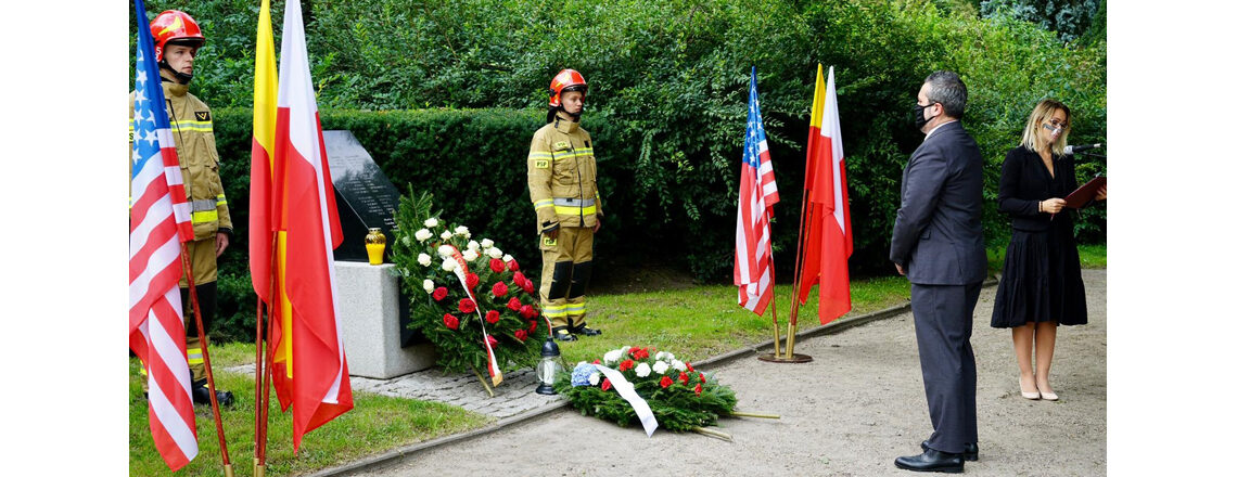 DCM and Polish Officials Honor Victims of September 11, 2001 Terrorist Attacks