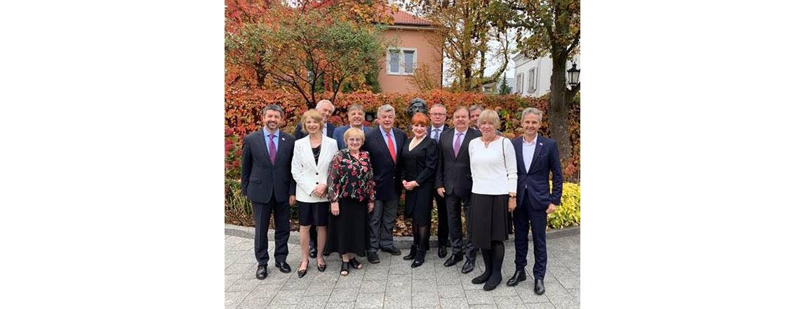 Ambasador Mosbacher podjęła śniadaniem Radę Fundacji Kościuszkowskiej