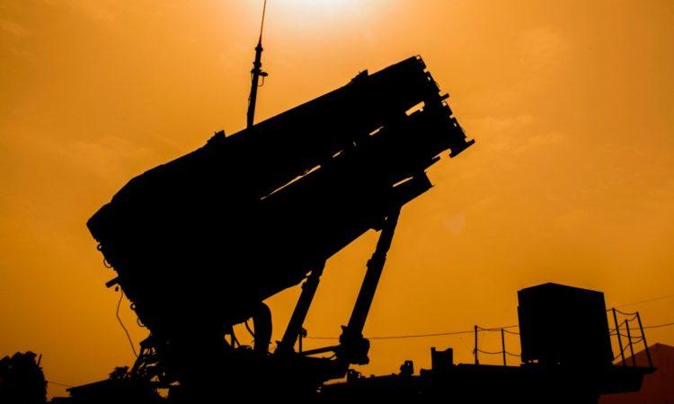 Polska właśnie zakupiła od Stanów Zjednoczonych system obrony przeciwrakietowej Patriot — jak ten widoczny na zdjęciu. (© Jack Guez/AFP/Getty Images)