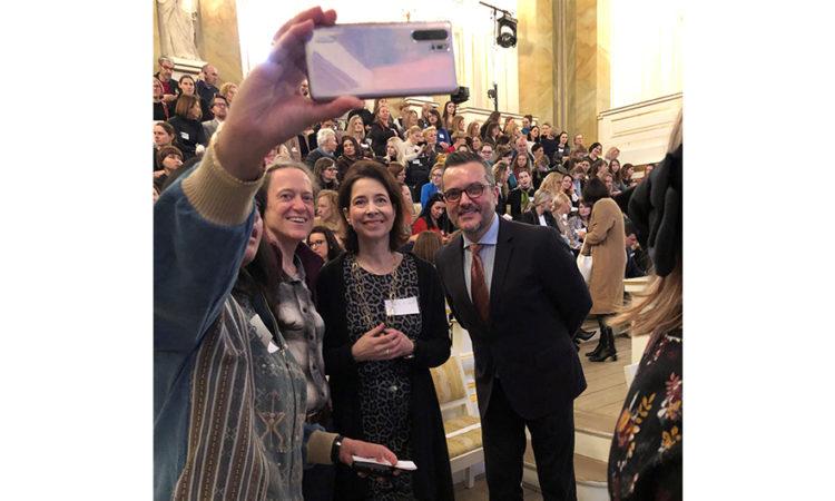Chargé d'Affaires Aliu z ambasadorami Indonezji, Kanady i małżonką ambasadora Niemiec. (Fot. Ambasada USA)