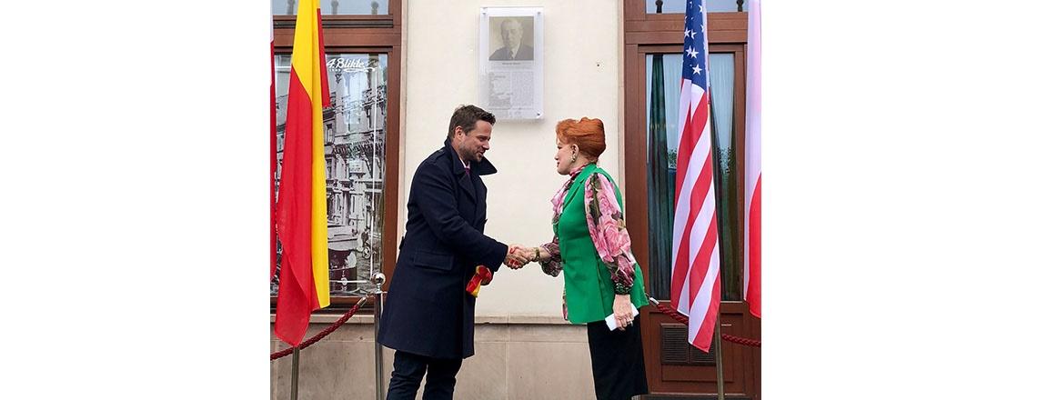 Ambassador Mosbacher and Mayor of Warsaw Unveil Plaque of President Woodrow Wilson