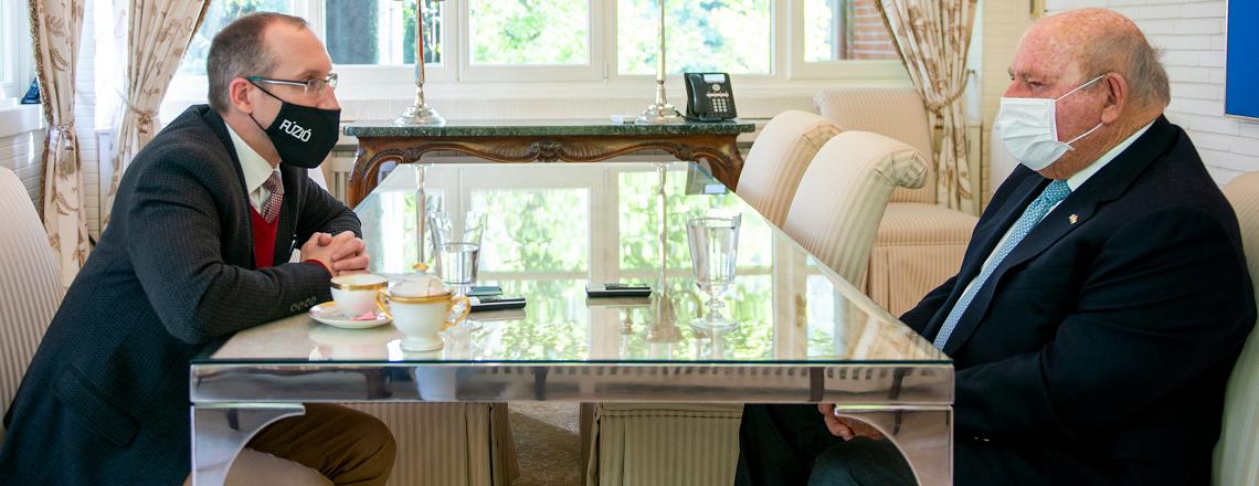Cornstein nagykövet távozása előtt több interjút is ad