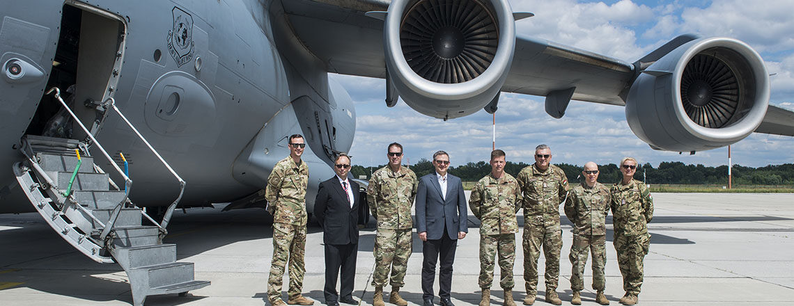Deputy Chief of Mission Marc Dillard Visits Pápa Air Base