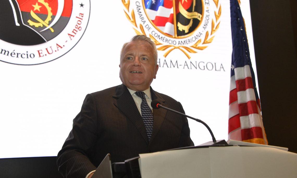 Discurso do Secretário de Estado Adjunto sobre a estratégia dos EUA para África, no almoço de Comércio e Investimento Luanda, Angola.