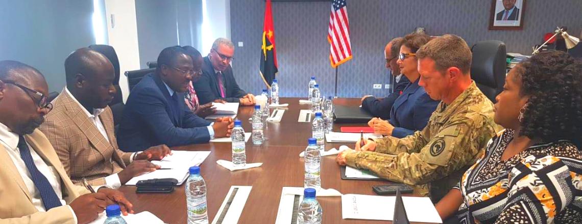 Embaixadora dos EUA Avaliou programa de VIH/SIDA de resposta à seca e inundação
