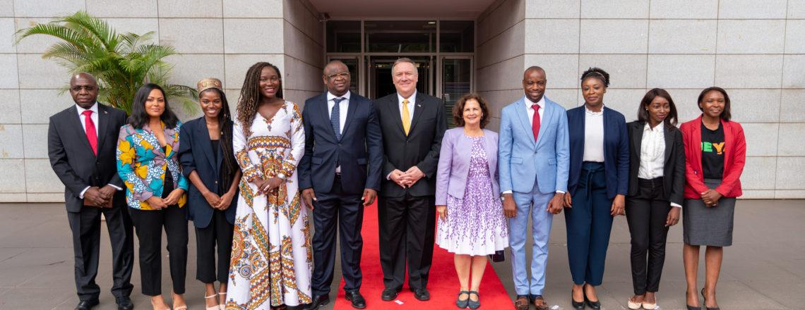 O Secretário Pompeo iniciou sua visita a Angola